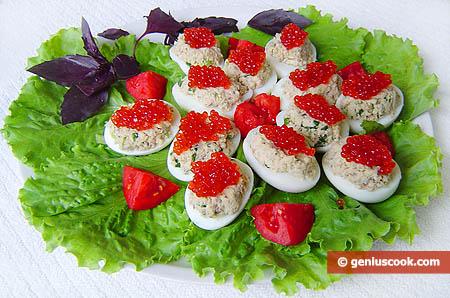 uova al caviale rosso pronte