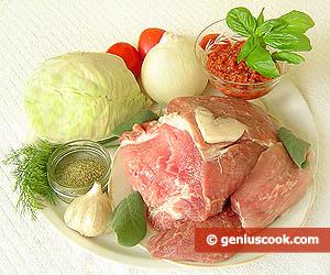 Ingredienti maiale e verza