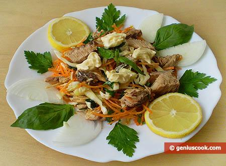 Салат из скумбрии и овощей