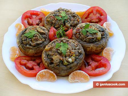 Шампиньоны фаршированные куриной печенью и овощами