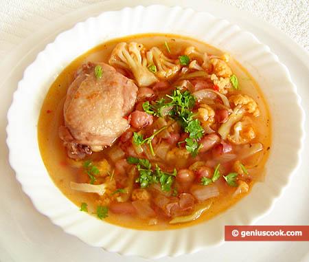 Куриный суп с фасолью и цветной капустой