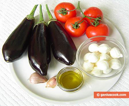 Ингредиенты для баклажан с моцареллой