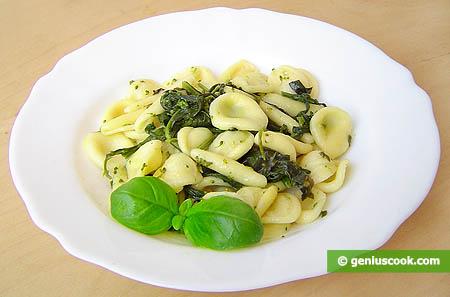 Итальянская паста с листьями брокколи