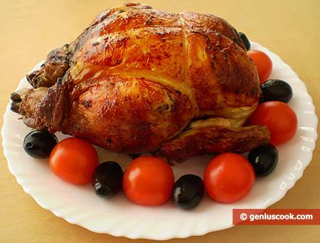 Курица гриль с маслинами и помидорами