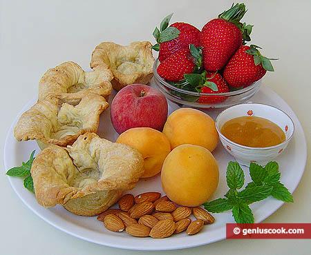 Ингредиенты для корзинок с фруктами, мёдом и орехами