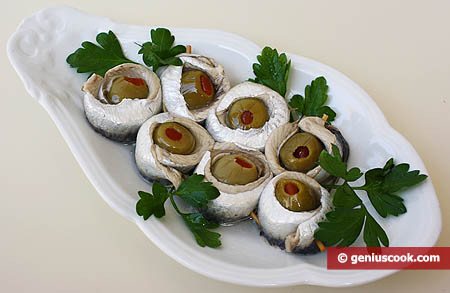 Закуска из анчоусов с оливками