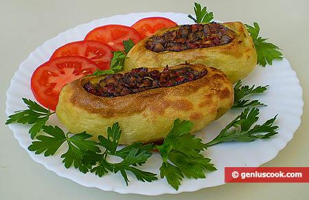 Картофель, фаршированный шампиньонами