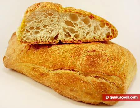 Хлеб чабата с хрустящей корочкой