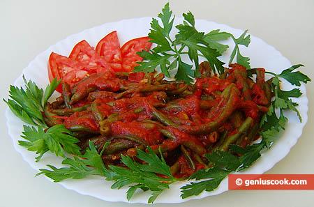 Спаржевая зелёная фасоль в томатном соусе