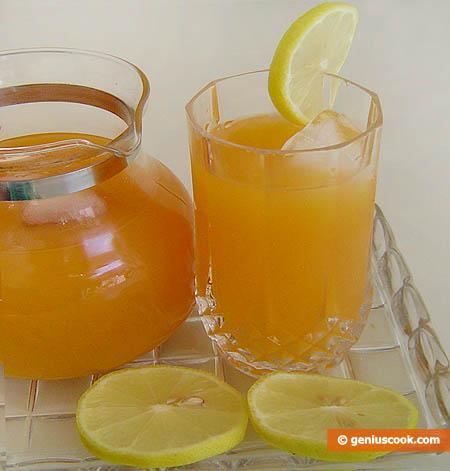 Коктейль с абрикосовым и лимонным соком