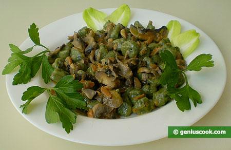 Ньокетти тушёные в сливочно-грибном соусе