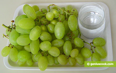 Ингредиенты для заспиртованного винограда