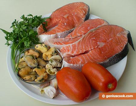 Ингредиенты для сёмги с мидиями в томатном соусе