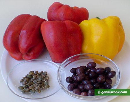 Ингредиенты для перца с каперсами и оливками