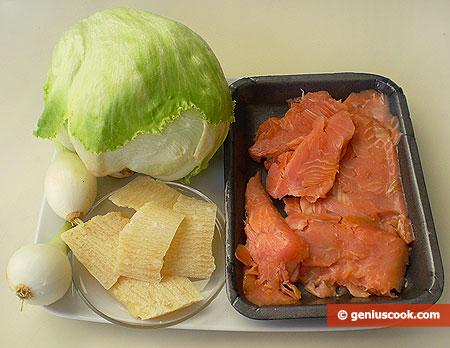 Ингредиенты для салата с сыром и рыбой