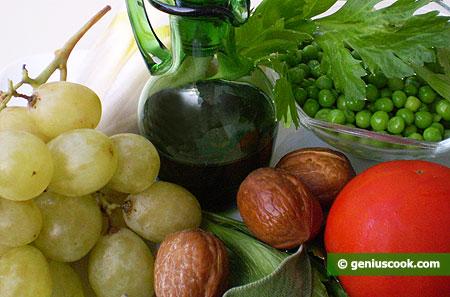 Овощи, фрукты, орехи и оливковое масло