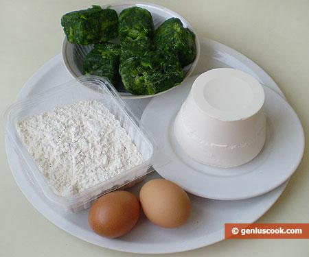 Ингредиенты для равиоли со шпинатом и рикоттой