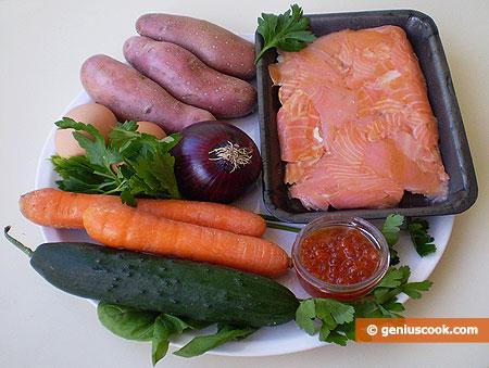 Ингредиенты для салата с лососем, икрой и картофелем