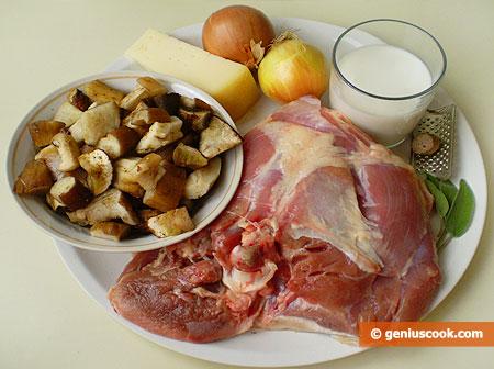 Ингредиенты для жульена с белыми грибами и мясом индейки