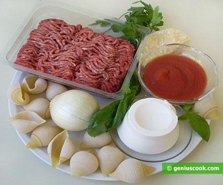 Ингредиенты для ракушек фаршированных мясом и сыром