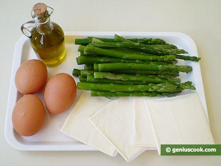 Ингредиенты для спаржи с яйцами и сыром