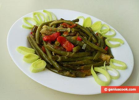 Стручковая фасоль, тушёная с овощами