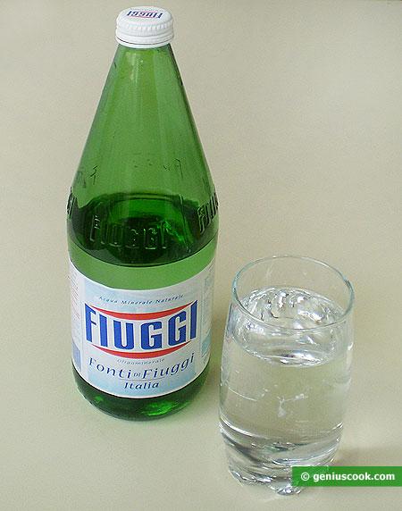Минеральная вода Фьюджи