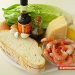 Ингредиенты для салата Цезарь с креветками