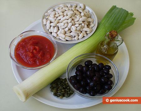 Ингредиенты для фасоли с каперсами и оливками