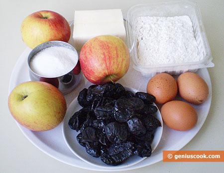 Ингредиенты для пирога с яблоками и черносливом