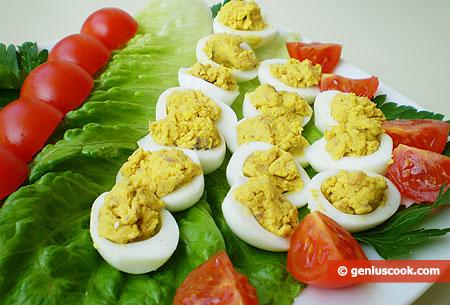 Закуска из перепелиных яиц и филе анчоусов
