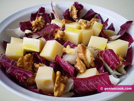 Радиккьо с грецкими орехами и сыром