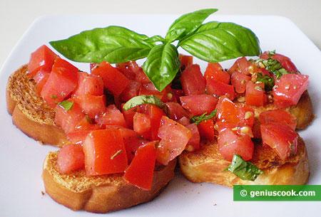 Брускетта с помидорами, базиликом и оригано