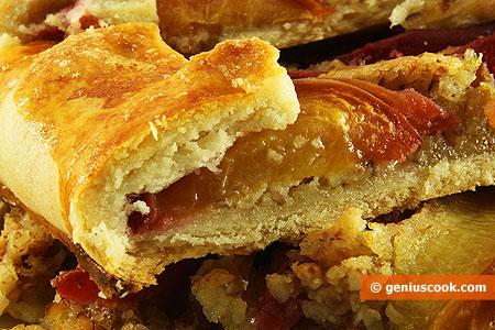 Ломтики персикового пирога