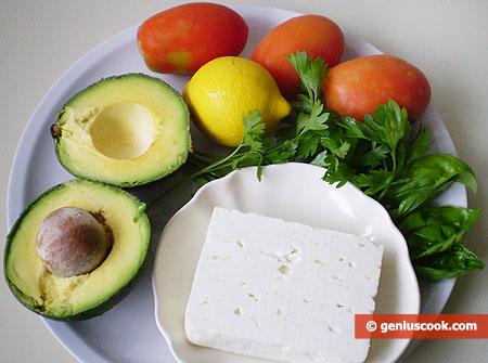 Ингредиенты для салата с авокадо и сыром