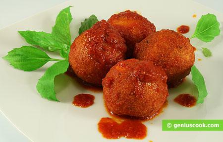 Сырные шарики тушёные в томатном соусе