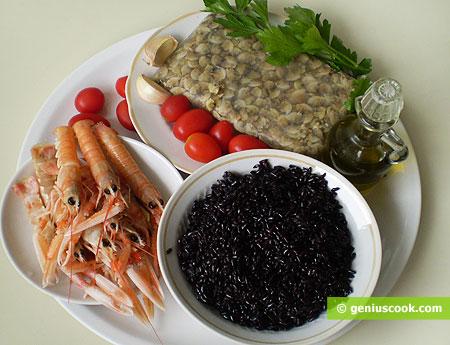 Ингредиенты для скампи и вонголе с чёрным рисом