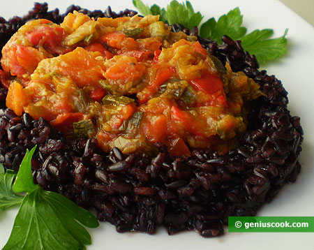 Чёрный рис с овощами