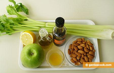 Ингредиенты для салата с сельдереем и зелёным яблоком
