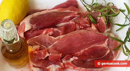 Ингредиенты для свинины по-итальянски