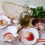 Ингредиенты для гребешков с петрушкой и чесноком