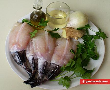Ингредиенты для морского чёрта в соусе из лука и имбиря