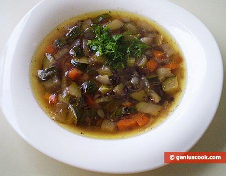 Суп с чёрным рисом, цуккини и фенхелем