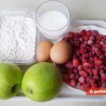 Ингредиенты для яблочных оладий с земляничным соусом