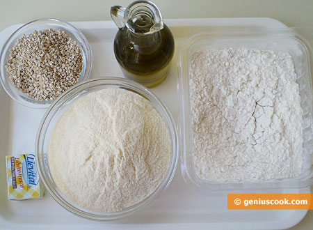 Ингредиенты для хлеба с кунжутом