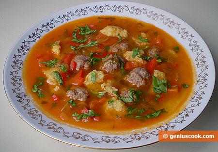 Суп с фрикадельками и чесночными клёцками