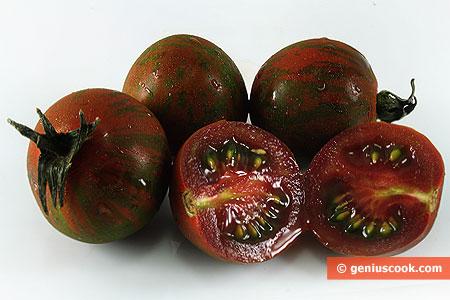 Чёрные помидоры Кумато