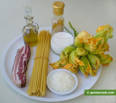 Ингредиенты для букатини с цветами тыквы и копчёной панчеттой