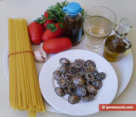 Ингредиенты для лингвини с моллюсками