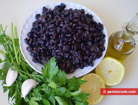 Ингредиенты для салата из чёрной фасоли